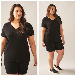NWT Love & Legend Black Fitted Tee T-Shirt
